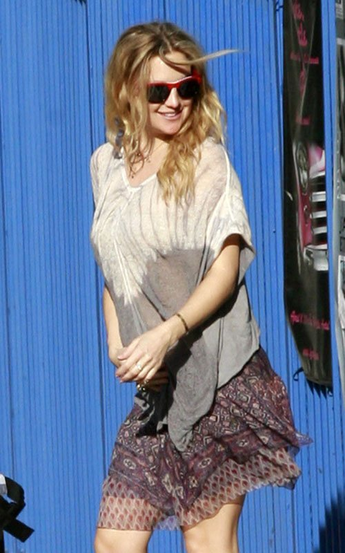 Kate Hudson Spotted Rocking Her Baby Bump