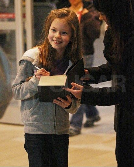 Breaking Dawn's Mackenzie Foy Arriving In Vancouver!