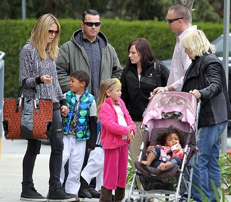Hands On Mom Heidi Klum & Her Kids Shopping in LA
