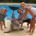 Britney-Spears-Kids-Dolphin-vacation