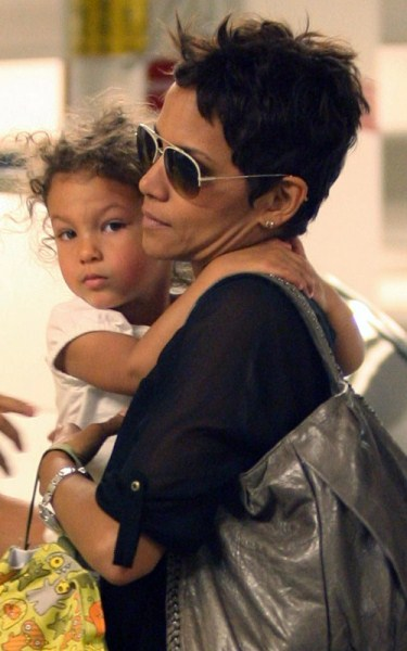Custody Woes Force Halle Berry To Cancel Her Broadway Role Opposite Samuel L. Jackson