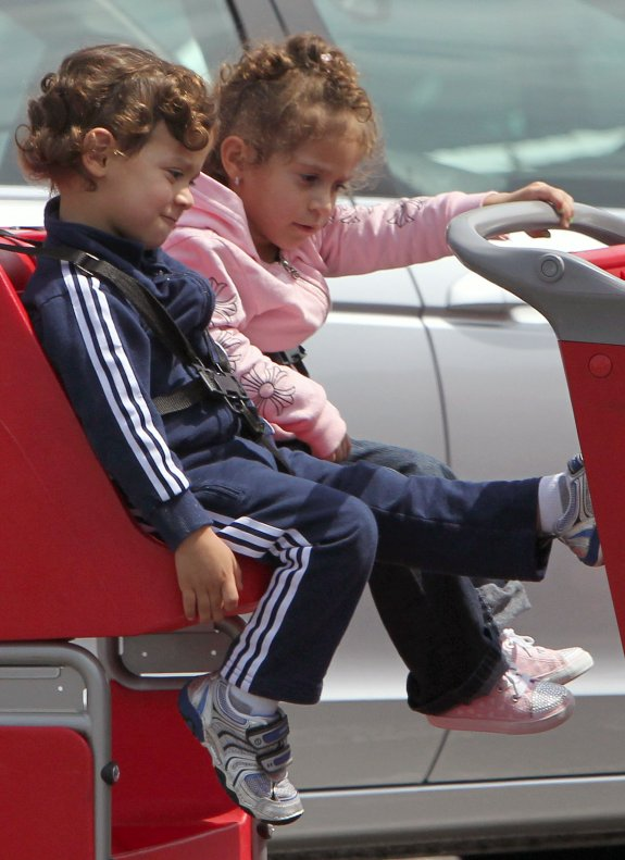 Jennifer Lopez's twins Max and Emme W/Nanny