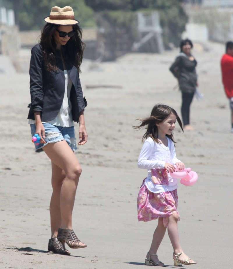 Suri Cruise & Katie Holmes Wear High Heels On The Beach In The Sand