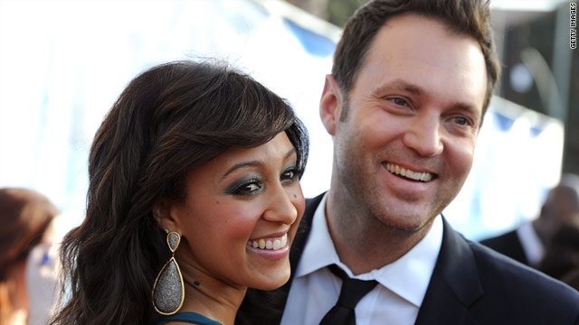 Tamera Mowry Married to Adam Housley