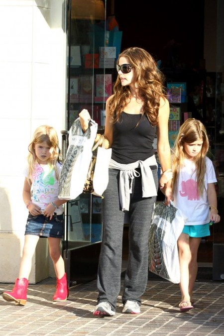 Denise Richards Spends Fathers Day With Her Girls  Celeb Baby Laundry-3916