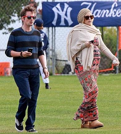 Kate Hudson Took Her Huge Pump To Son's Baseball Game