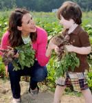 Jennifer Gardner Teaches Kids How to Eat Fresh This Summer
