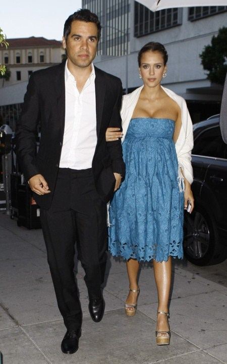 Jessica Alba and Cash Warren Entering Mr Chow
