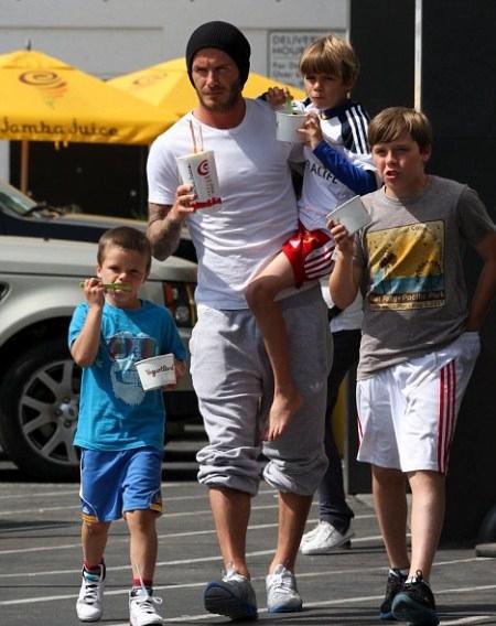 David Beckham and Sons Getting Ice Cream