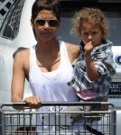Halle Berry With Her daugher Nahla