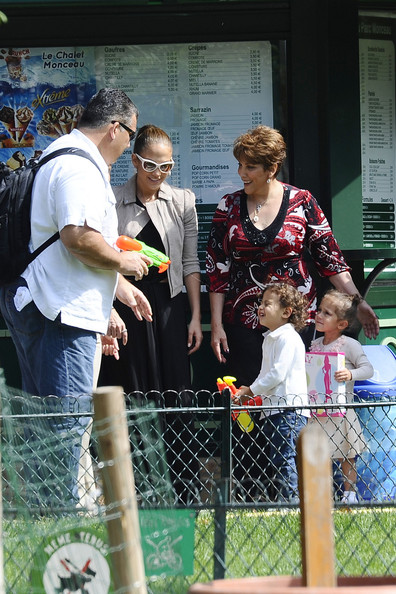 Jennifer Lopez and Twins Play in Paris