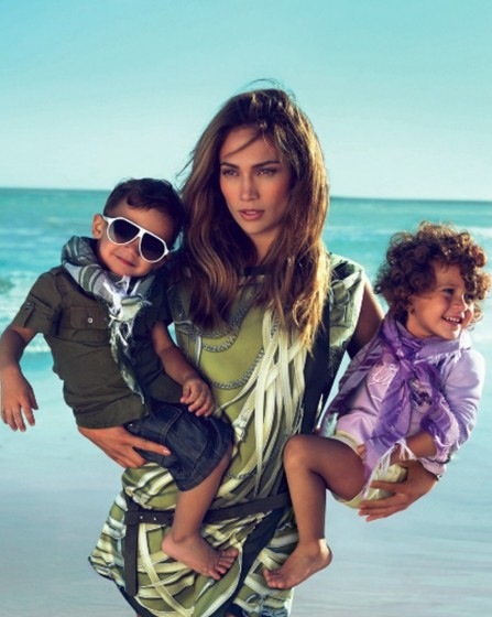 "Jennifer Lopez: ""My Family Helps Me With The Kids"""