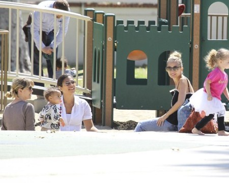 Nicole Richie and Ellen Pompeo at the Park With Children