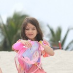 Katie Holmes and Suri Cruise in Miami on the Beach