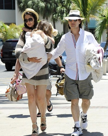 Tom Cruise, Katie Holmes and Suri Cruise in Miami