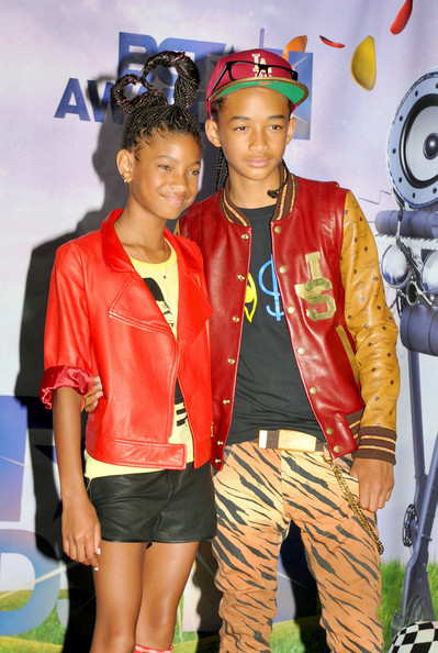 Willow and Jaden Smith Tie at the BET Awards