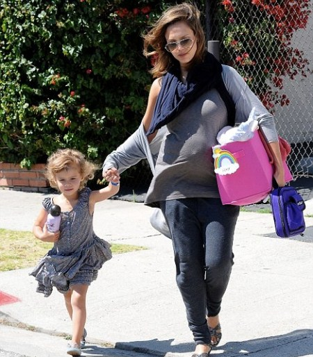 Jessica Alba Picks Daughter Honor Up From School