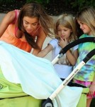 Denise Richards and her daughters Sam and Lola Looking at Eloise