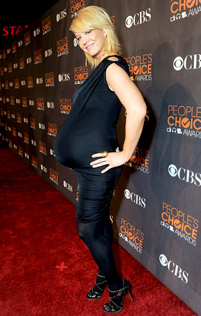 "Jenna Elfman Happy to Be ""Not Pregnant"""