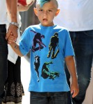 Kingston Rossdale Dyes Hair Blue