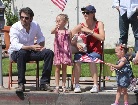 The Affleck-Garner Family Enjoy a Patriotic Day
