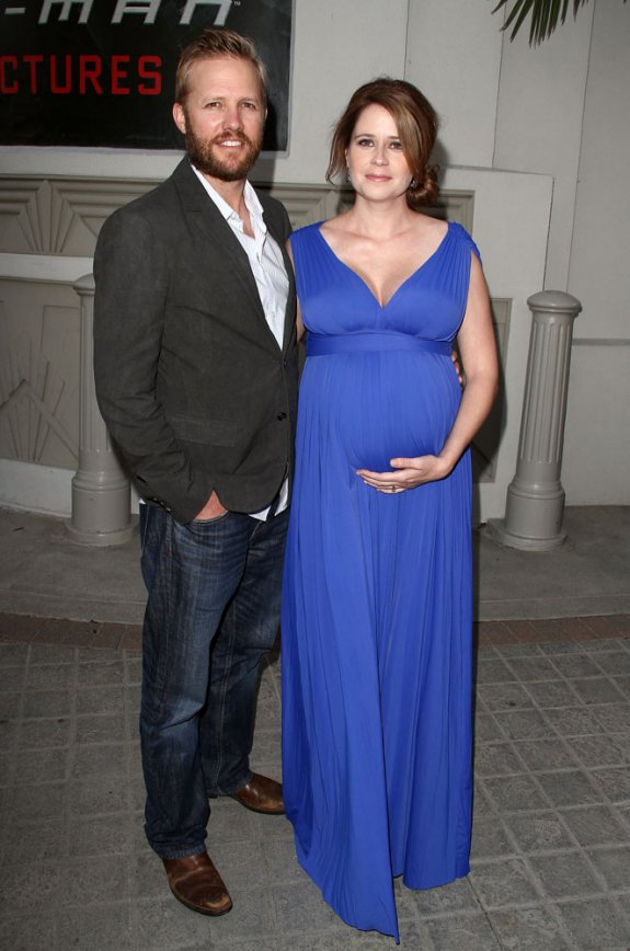Pregnant Jenna Fischer Suffering with Cellulite