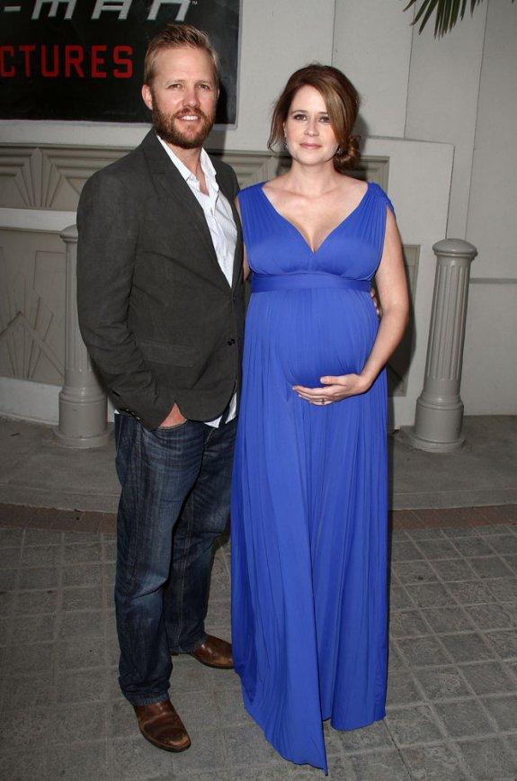 Pregnant Jenna Fischer Suffering With Cellulite Celeb