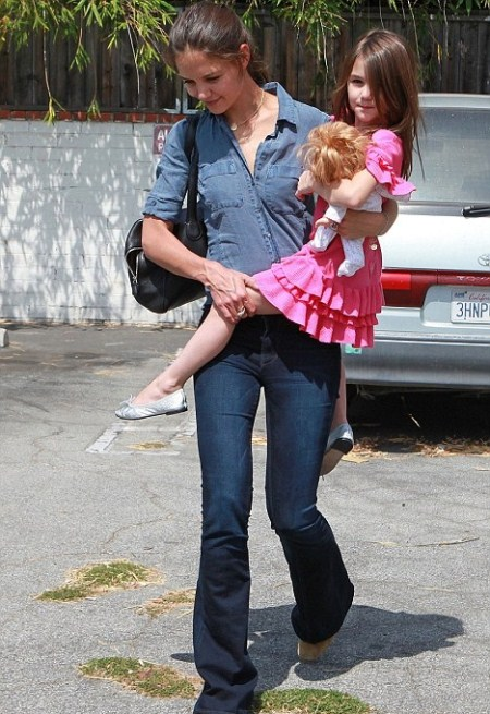 Katie Holmes and Suri Cruise Shop For Dance Shoes