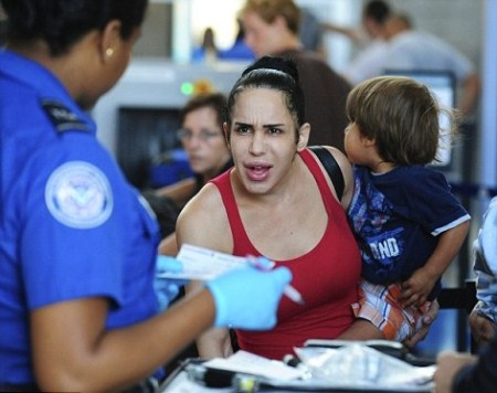 Octomom Nadya Suleman Going Through Airport Security With Her 14 Children