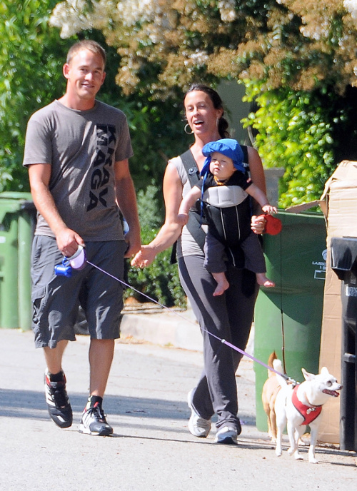 Alanis Morissette Takes A Stroll With Her Two Fave Boys