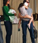 Tom Cruise, katie & Suri Family Helicopter Out of NYC