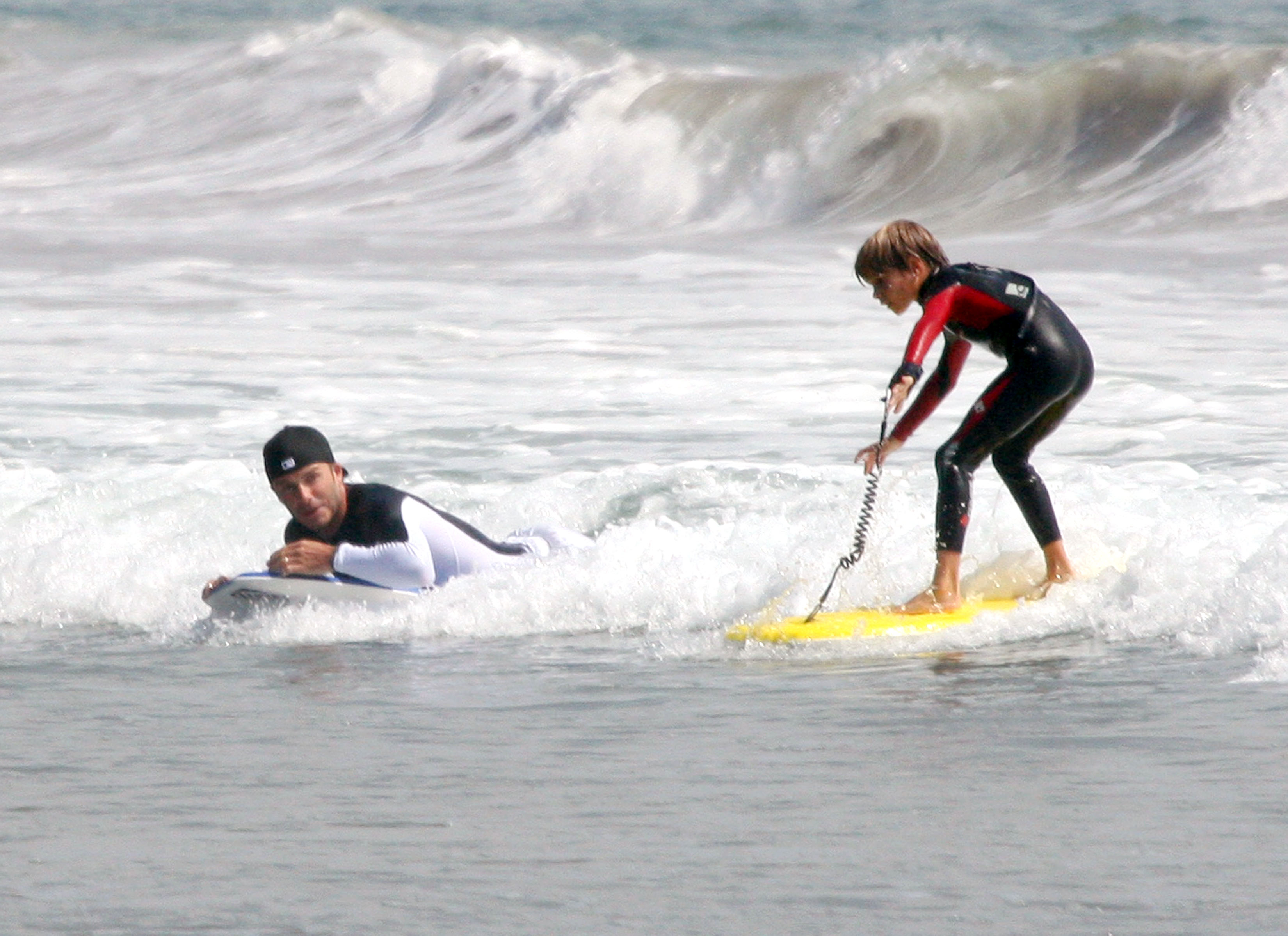 David Beckham Goes Boogie Boardin' With The Boys!