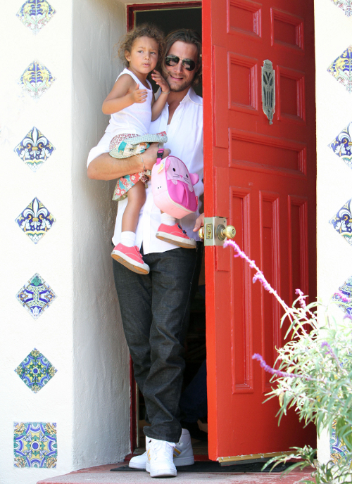 Gabriel Aubry Picks Up Nahla From Pre-School