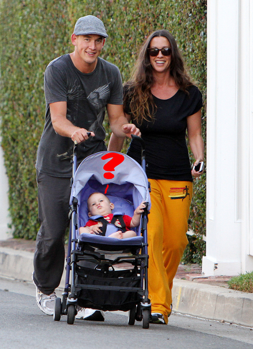 Alanis Morissette Strolls Down The Street With Her Men