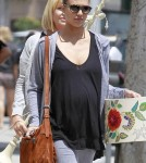 Jessica Alba and her mom, Catherine Go Shopping