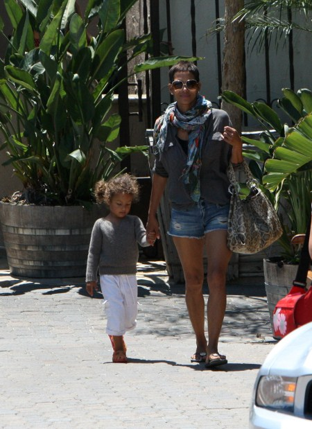 Halle Berry, boyfriend Oliver Martinez, daughter Nahla Aubry Out For Lunch