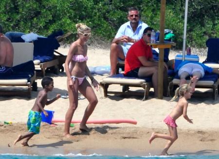 Heidi Klum in Sardina, Italy With Seal and Children