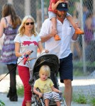 Naomi Watts and Liev Schreiber with their children Alexander and Samue