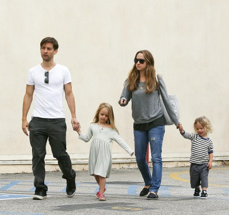 Tobey Maguire Brunches With Family