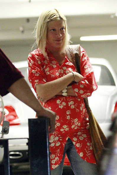 A Very Pregnant Tori Spelling Out And About