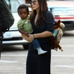 Sandra Bullock To Take Lots Of Pictures Of Son Louis At Christmas