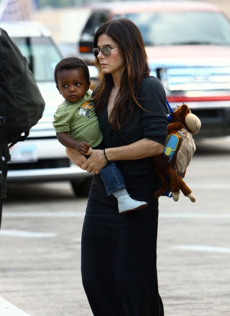 Sandra Bullock and Louis Leave Austin, Texas