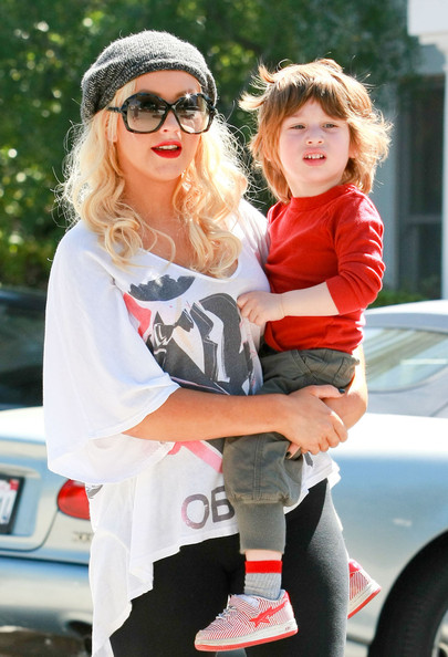 Singer Christina Aguilera picks up her son Max from preschool in Brentwood. April 1, 2011