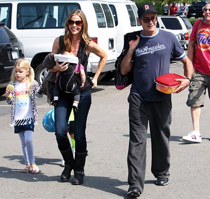 Charlie-Sheen-Denise-Daughters