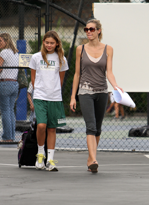 Brooke Burns Picks Up Daughter At The Airport