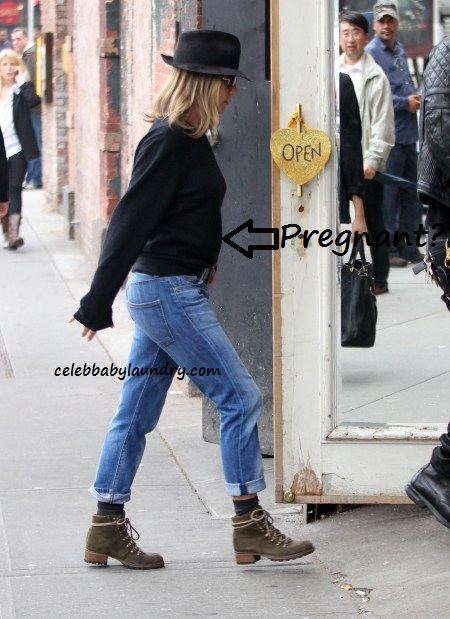 Jennifer Aniston Baby Bump