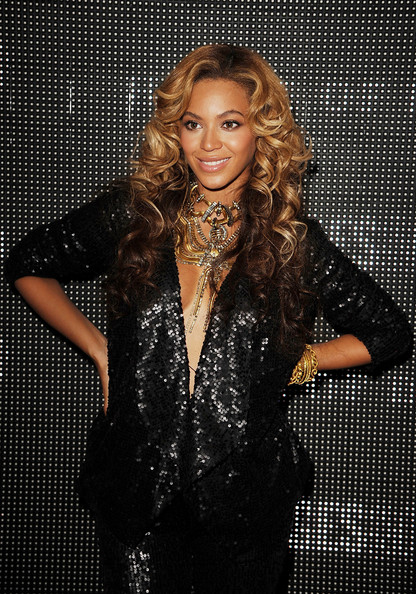 Beyonce at the House Of Dereon By Beyonce And Tina Knowles Fashion Show