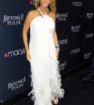 """Beyonce Knowles poses at Macy's to promote her new fragrance """"Pulse"""" in NYC, NY on September 22, 2011"""