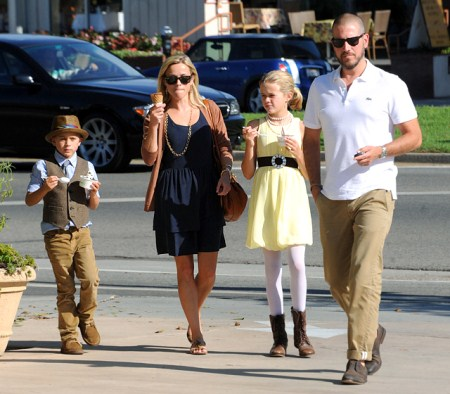Reese Witherspoon with husband Tim Roth and Children Ava and Deacon