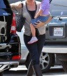 Jennifer Garner takes her daughters Seraphina and Violet out to lunch in Santa Monica
